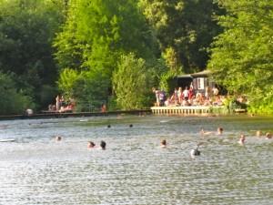 Splash! All'Hampstead Heath Ponds ;)