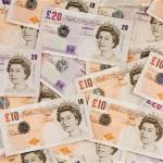 Lascio l'Inghilterra cosa ne faccio del conto bancario inglese? Posso tenerlo aperto o meglio chiuderlo?!