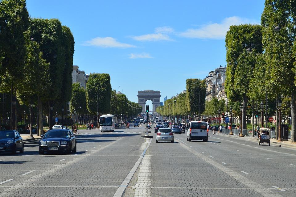 espatriati Parigi incontri cosa vuol dire quando si sogna di dating qualcuno che ti piace